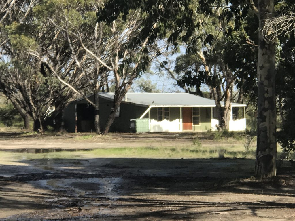 C:\Users\OBRIEN\Pictures\Pictures\paringa for sale\shed and flat.JPG